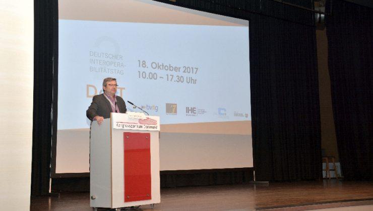 Dirk Heidenblut, SPD-Bundestagsfraktion, referiert über elektronische Patientenakten.