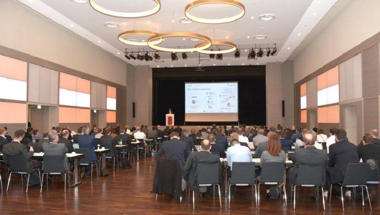 Über 160 Teilnehmerinnen und Teilnehmer verfolgten das vielschichtige Tagungsprogramm im Goldsaal des Kongresszentrums Westfalenhallen in Dortmund.